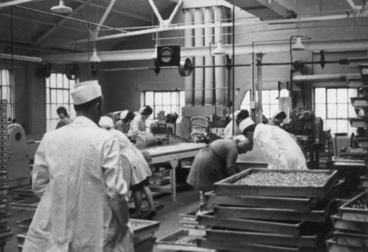 Production line at Wilkinson liquorice works, Pontefract. [Click here to open image in popup]