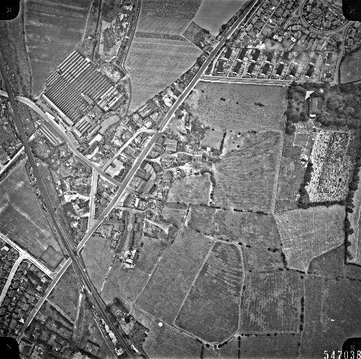This aerial view of Alverthorpe village, with Alverthorpe mills and the Osset railway line clearly visible, was taken for Wakefield City Council in 1961. [Click here to open image in popup]
