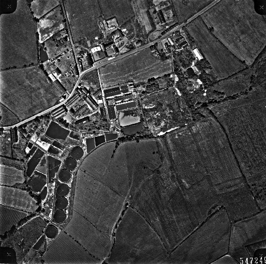 This aerial view of textile mills and the sewage works at Ossett Spa was taken in 1961 for Wakefield City Council. [Click here to open image in popup]