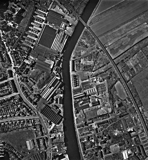 This aerial view of riverside textile mills along Barnsley Road, Wakefield was taken for Wakefield City Council in 1961. [Click here to open image in popup]